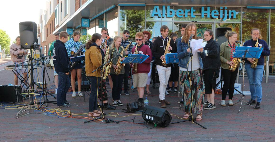 'Music Players Society' op Raadhuisplein